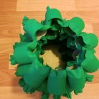 идея создания праздничной елки из бумаги своими руками картинка
