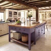 идея необычного декора кухни в деревенском стиле фото