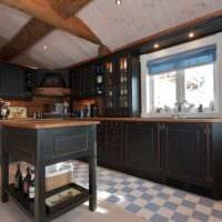 вариант необычного дизайна кухни в деревянном доме фото