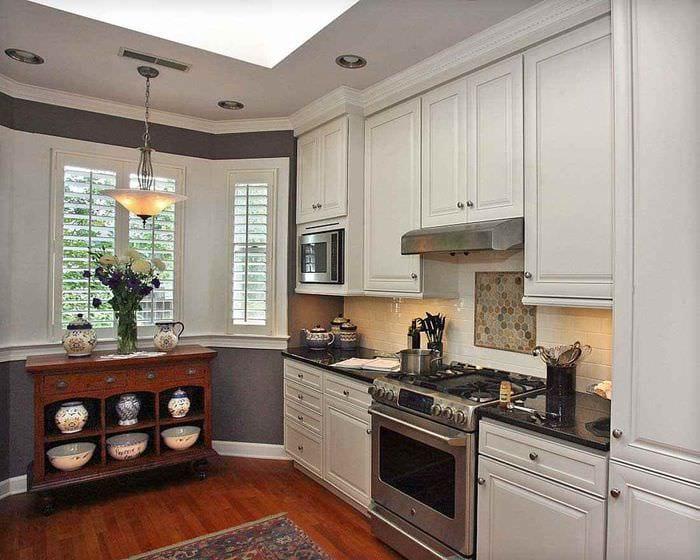пример яркого интерьера кухни 10 кв.м. серии п 44