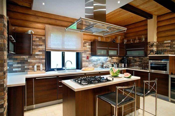 вариант светлого декора кухни в загородном доме