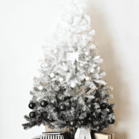 как украсить елку в 2018 году интерьер