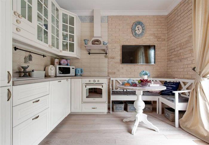 кирпичная кладка на кухне прованс