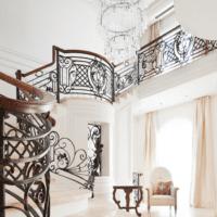 красивый дизайн лестницы в доме