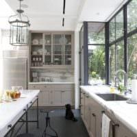 кухня с балконом дома