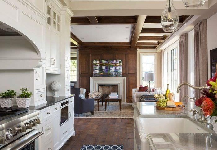 кухня столовая гостиная с камином