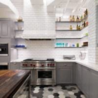 кухня в стиле лофт с плиткой