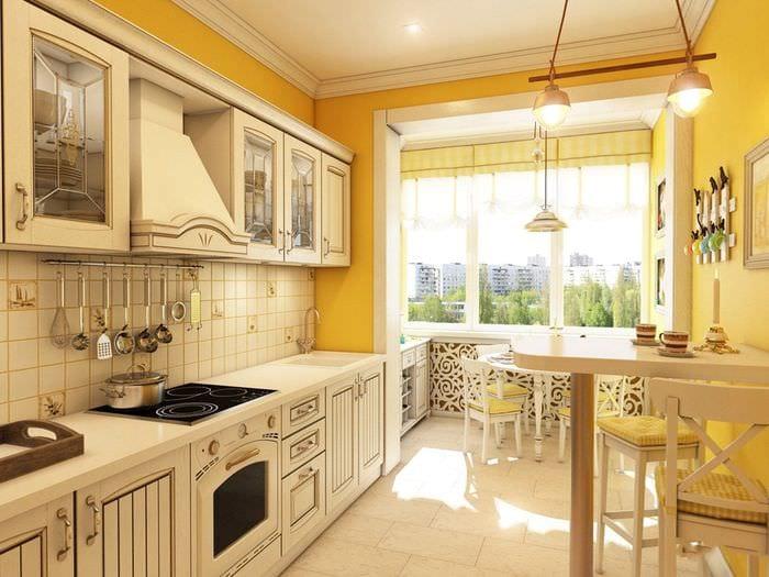 кухня с балконом в квартире