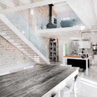 лестница в частном доме дизайн фото