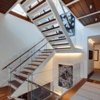 лестница в частном доме современная