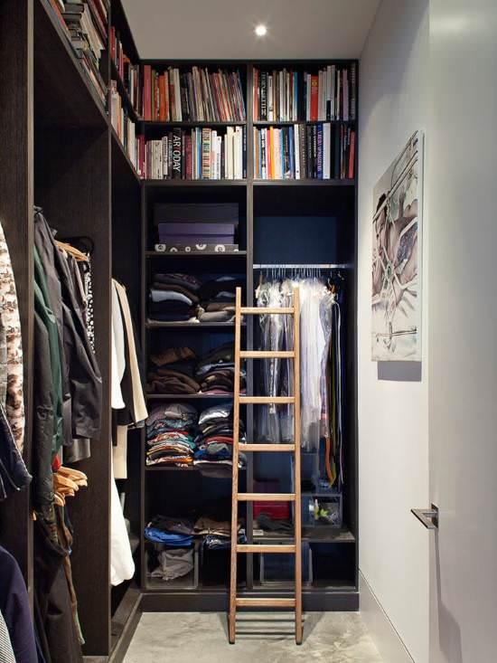 лестница в гардеробе