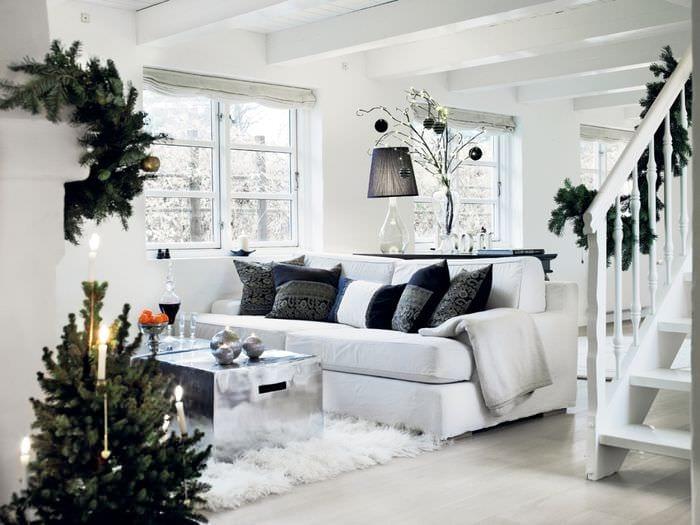 новогодний интерьер в скандинавской гостиной