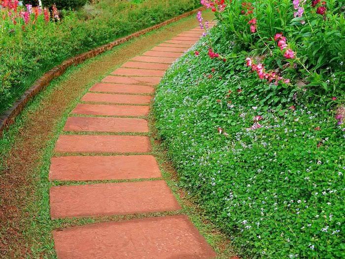 Обустройство садовой дорожки своими руками