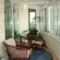 пример использования ярких идей оформления зимнего сада в доме картинка