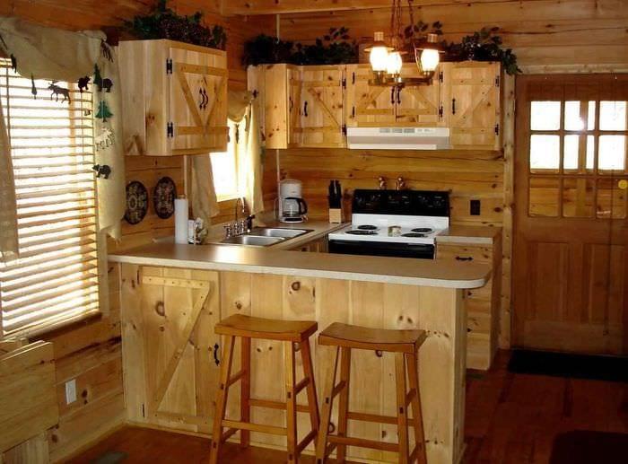 вариант необычного декора кухни в деревенском стиле