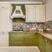 идея яркого стиля кухни в деревенском стиле картинка