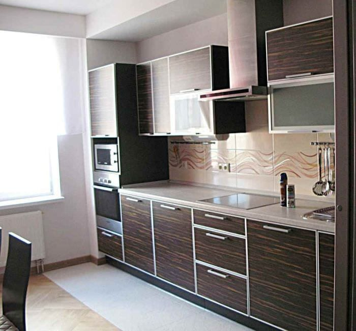 пример светлого дизайна кухни 11 кв.м