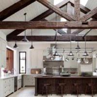 пример яркого декора кухни в деревенском стиле картинка