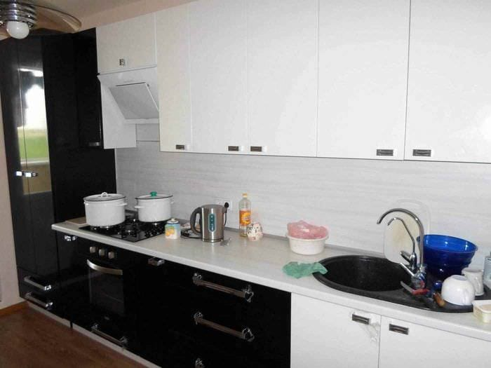 пример светлого стиля кухни 13 кв.м