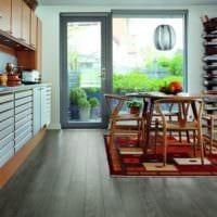 серый ламинат в интерьере для дома