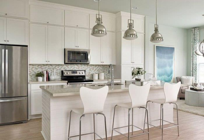 La cocina comedor en una foto de la casa privada