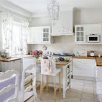 светлая кухня прованс