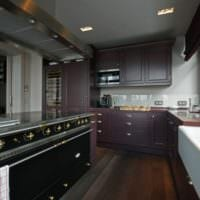кухня 5 кв метров темный гарнитур