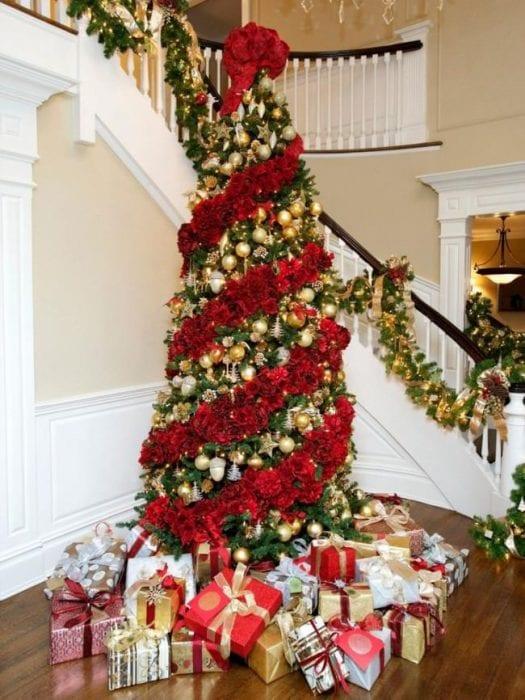 украшение елки по спирали