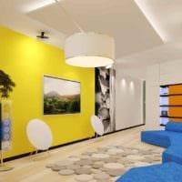 пример использования светлого желтого цвета в декоре комнаты картинка