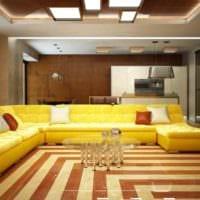 идея использования светлого желтого цвета в интерьере комнаты фото