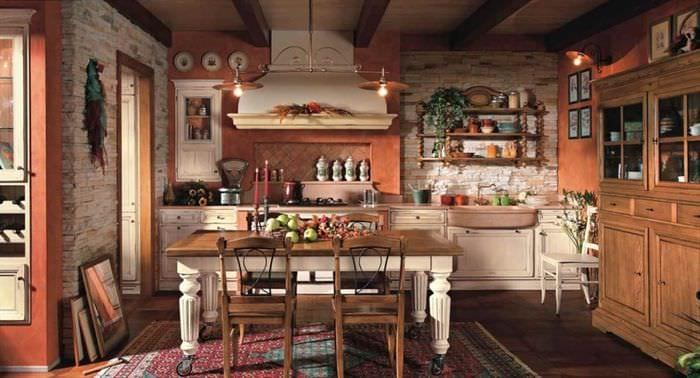 идея красивого дизайна кухни в деревенском стиле