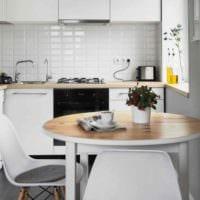 вариант светлого интерьера кухни 11 кв.м фото