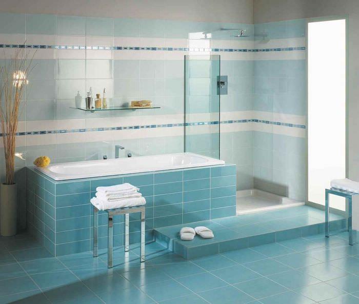 вариант необычного декора укладки плитки в ванной комнате