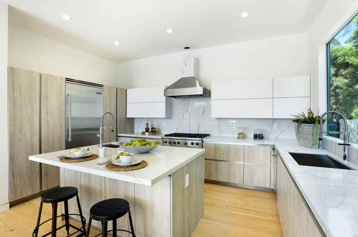пример необычного дизайна кухни 12 кв.м