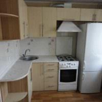 вариант необычного интерьера кухни с газовой колонкой картинка