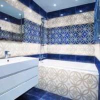 вариант необычного дизайна укладки плитки в ванной комнате фото