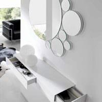 идея красивого декора прихожей с зеркалами фото