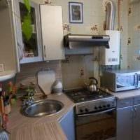 вариант красивого стиля кухни с газовой колонкой картинка