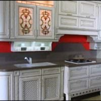 пример красивого интерьера кухни в классическом стиле фото