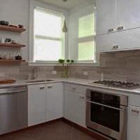 вариант светлого дизайна кухни 13 кв.м фото