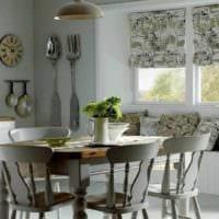 дизайн кухни с низким окном