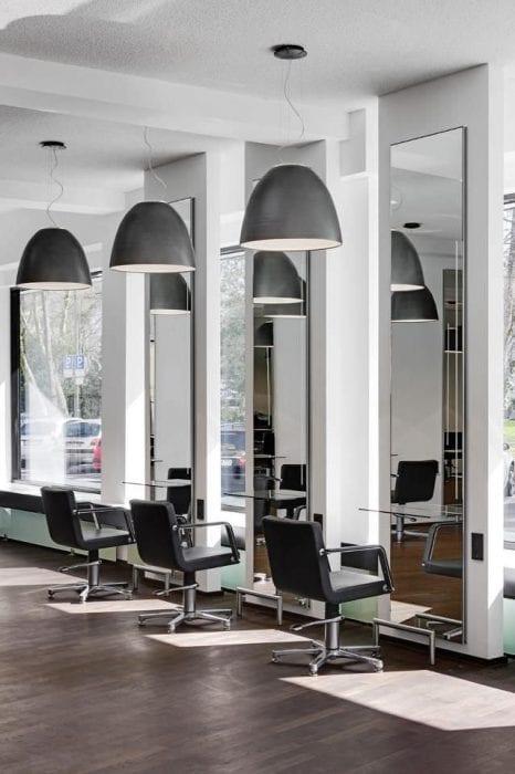 зеркала в салоне красоты