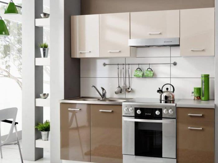глянцевый гарнитур на кухне