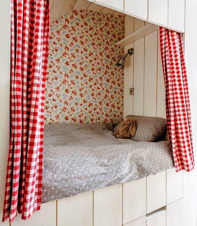 детская кровать в нише