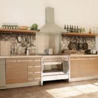 дизайн кухни без верхних навесных шкафов фото интерьера