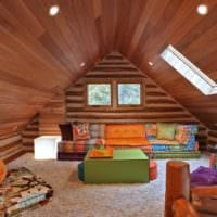 дизайн мансарды в доме отделка деревом