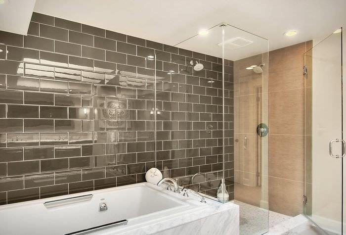 дизайн стеклянной плитки в ванной