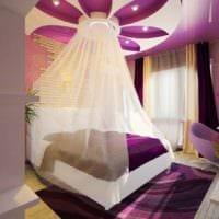 дизайн маленькой спальни кровать с балдахином