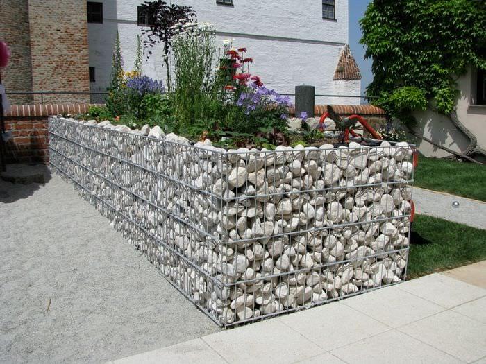 грядки на даче из камней