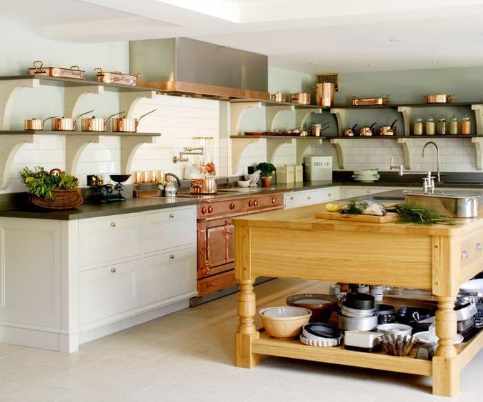 кухня с полками вместо шкафов